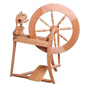 Ashford Traditional Spingle Drive Spinning Wheel